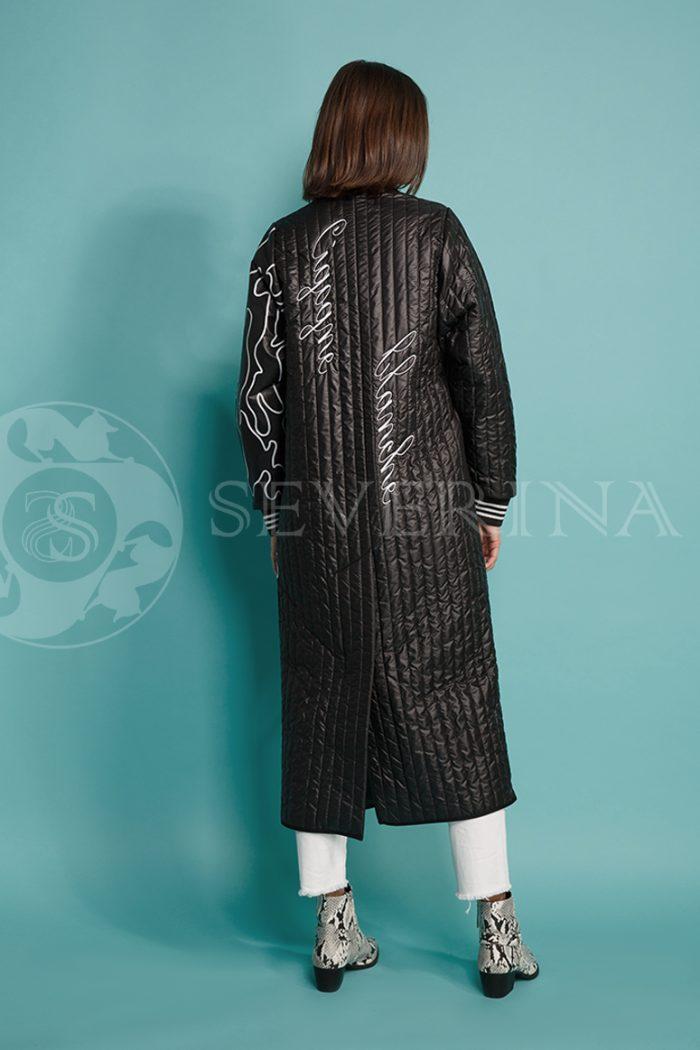 chernoe steganoe assimetrija 8 700x1050 - пальто из стеганой ткани с ассиметричным принтом