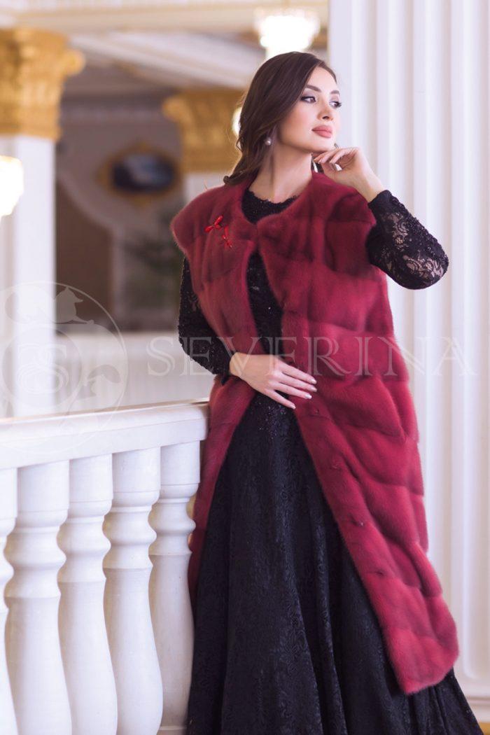 norka krasnaja 3 700x1050 - жилет из меха норки темно-красного цвета