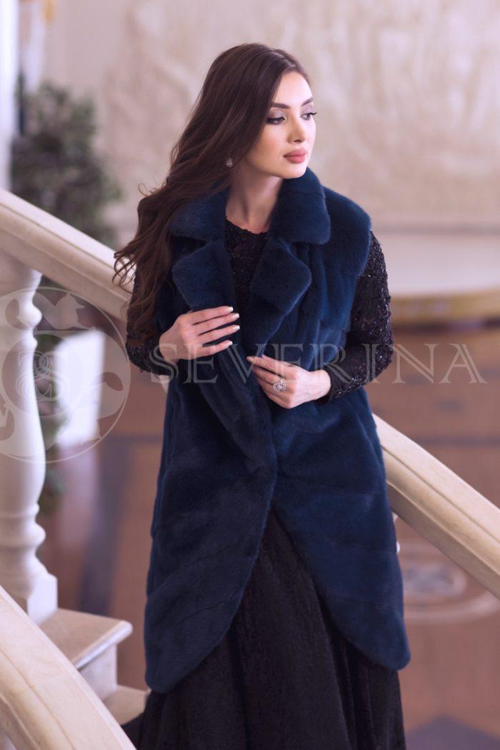 norka sinjaja 3 700x1050 - жилет из меха норки темно-синего цвета