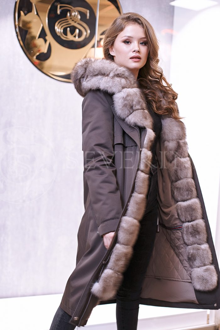 temno seraja pesec 1 1 700x1050 - куртка-парка с отделкой мехом песца