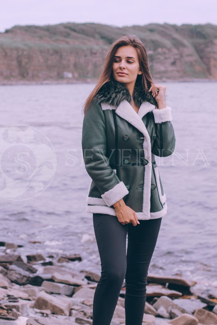 куртка-дубленка из меха овчины с отделкой тонированным мехом лисы