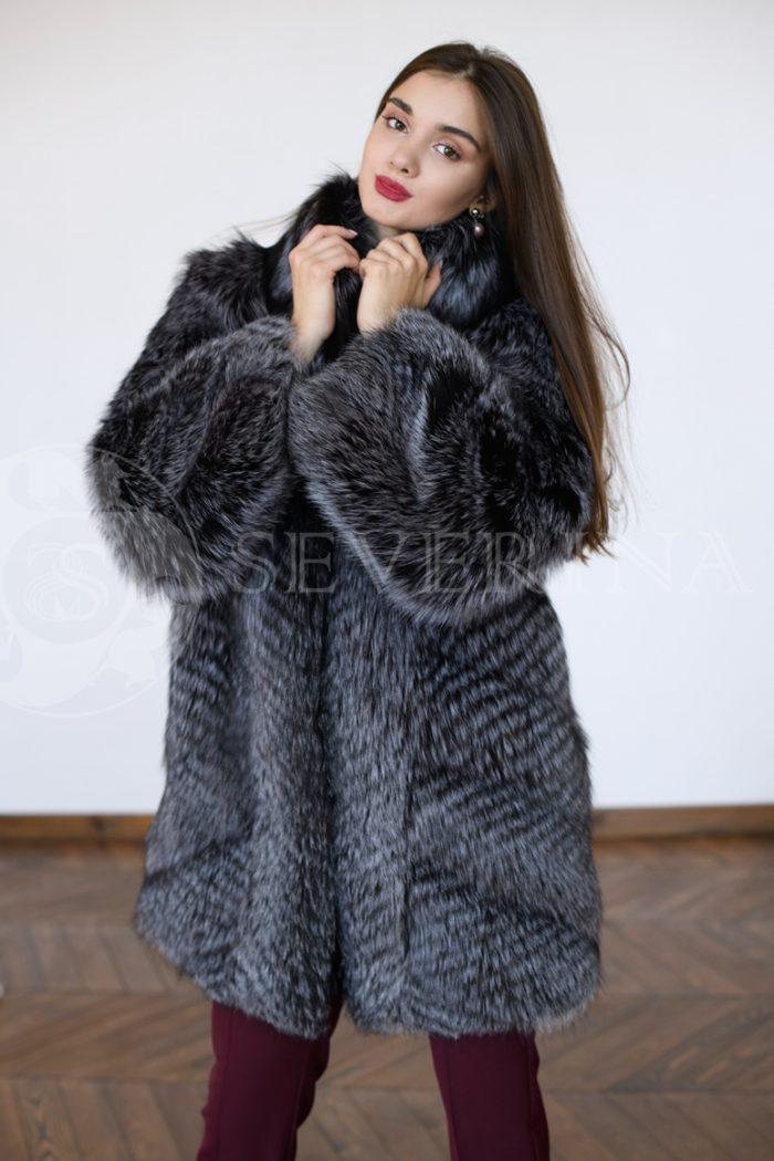 chernoburka 1 1 700x1050 - шуба из меха серебристо-черной лисы