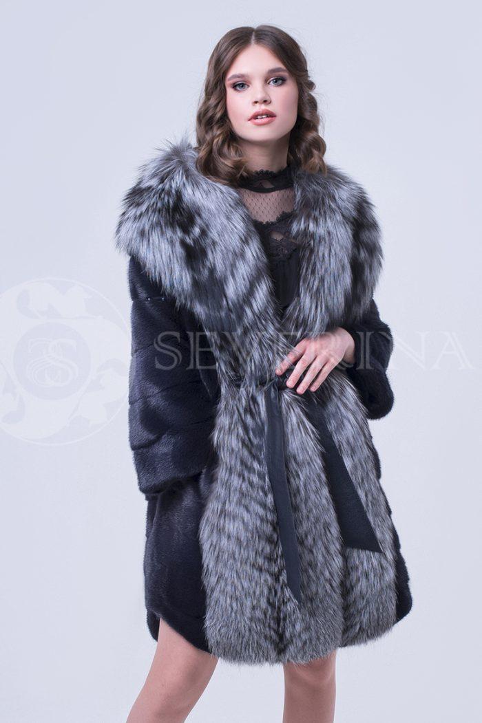 doletskiy 0802 700x1051 - шуба из меха скандинавской норки с отделкой из меха серебристо-черной лисы