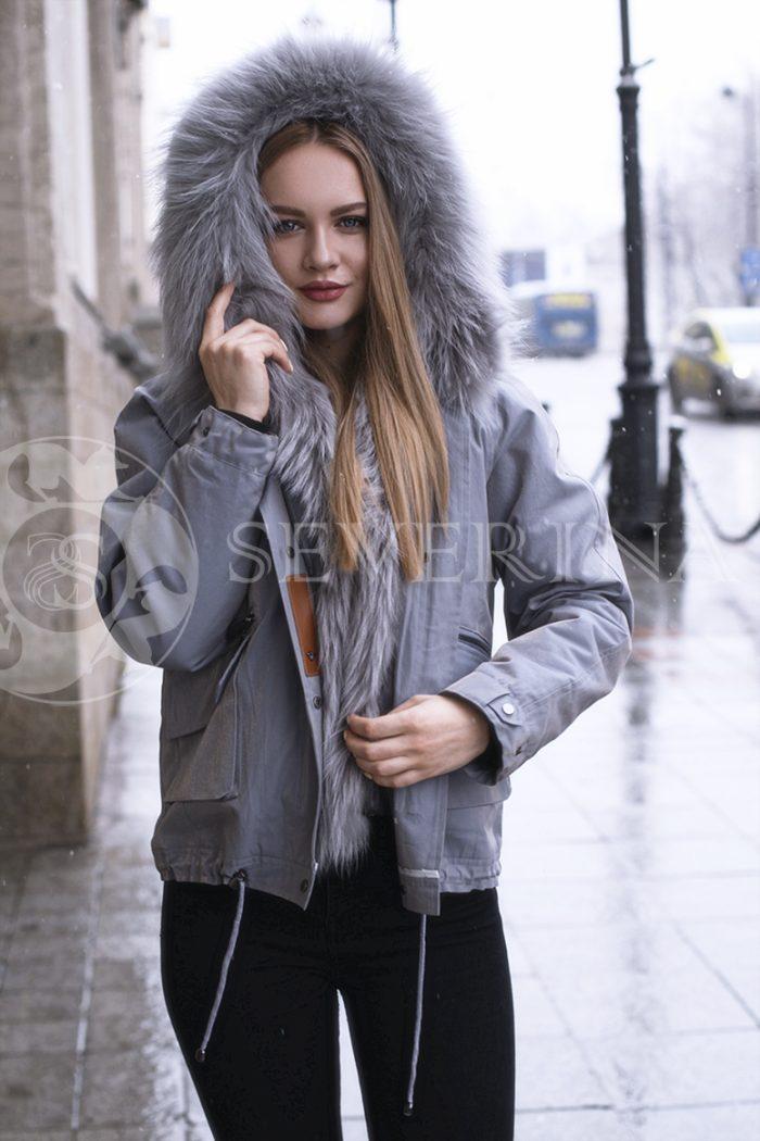 gen4479 700x1050 - куртка с отделкой из меха лисы