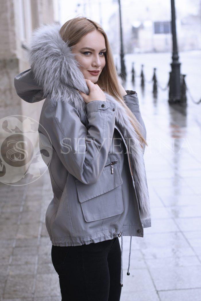 gen4495 700x1050 - куртка с отделкой из меха лисы