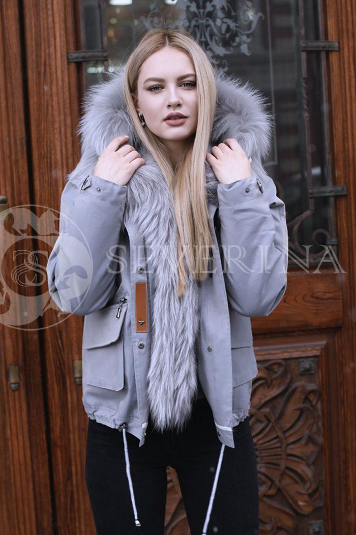 gen4496 700x1050 - куртка с отделкой из меха лисы