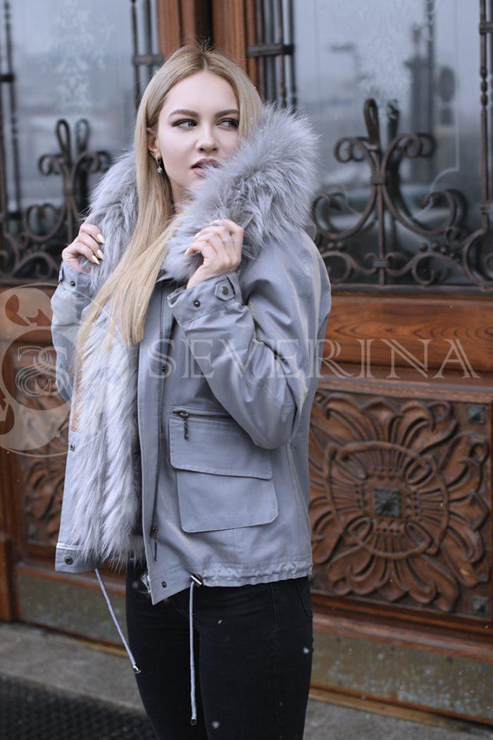 gen4507 700x1050 - куртка с отделкой из меха лисы
