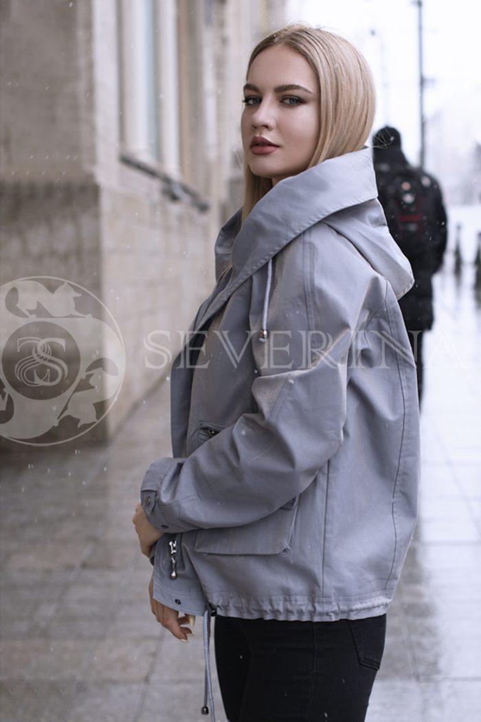 gen4519 700x1051 - куртка с отделкой из меха лисы