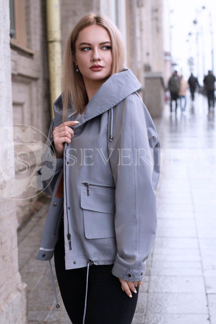 gen4526 700x1050 - куртка с отделкой из меха лисы