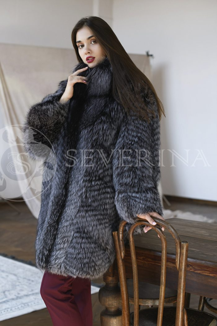 gen5727 700x1050 - шуба из меха серебристо-черной лисы