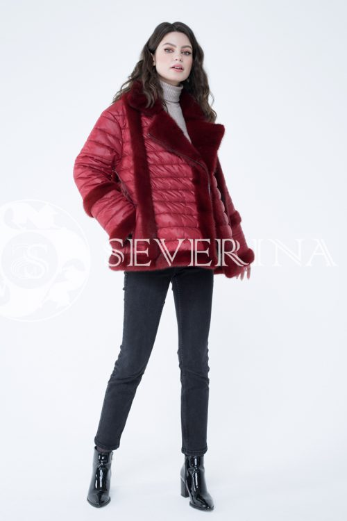 kurtka steganka norka krasnaja 1 500x750 - куртка с отделкой из меха норки