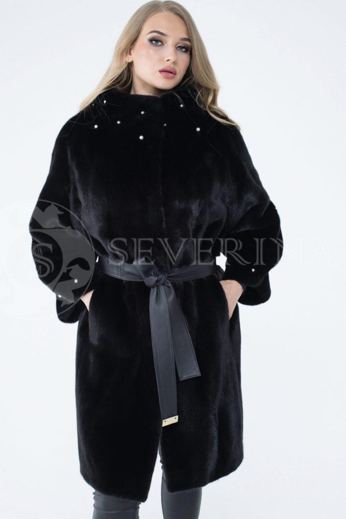lev301414 1 700x1050 - шуба из меха скандинавской норки с отделкой жемчугом
