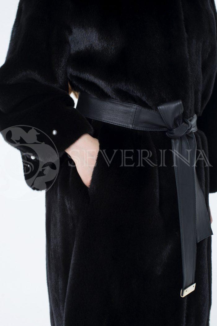 lev301418 1 700x1050 - шуба из меха скандинавской норки с отделкой жемчугом