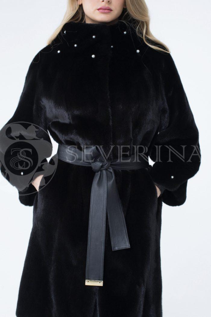 lev301423 1 700x1050 - шуба из меха скандинавской норки с отделкой жемчугом