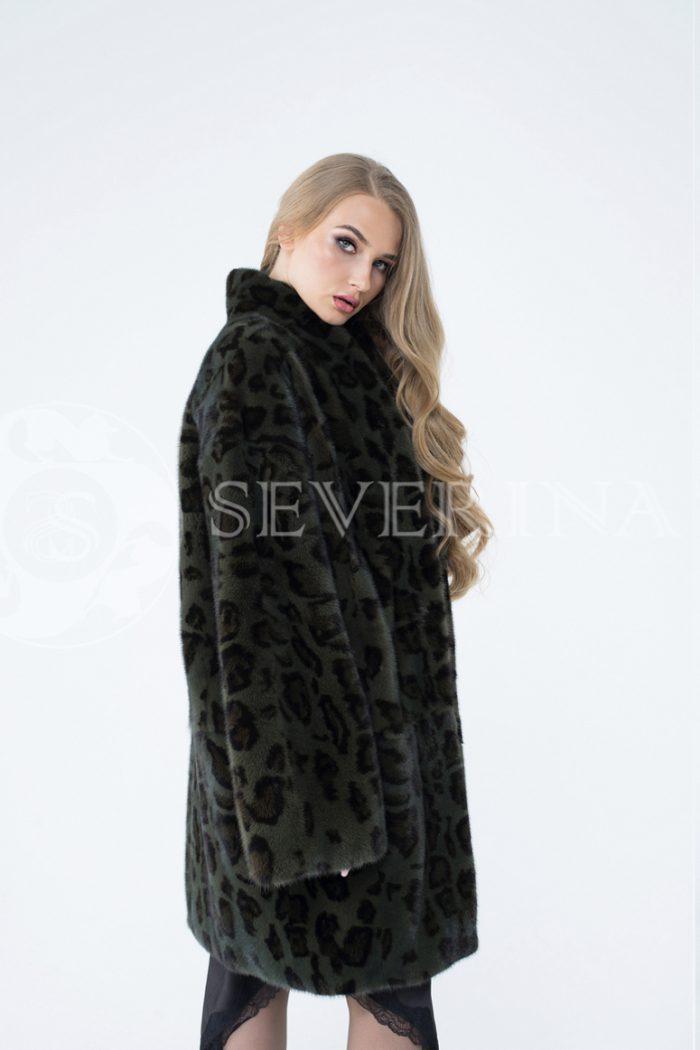 lev302298 1 700x1050 - шуба из меха норки с леопардовым принтом