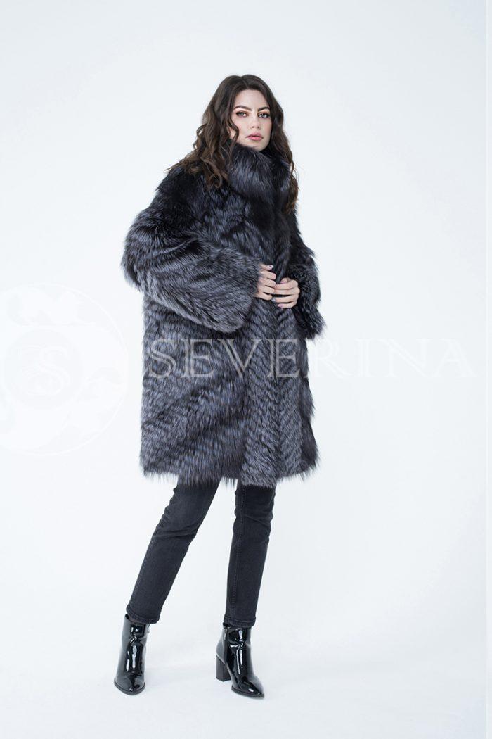 lev302414 700x1050 - шуба из меха серебристо-черной лисы