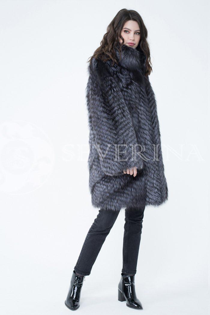 lev302418 1 700x1050 - шуба из меха серебристо-черной лисы