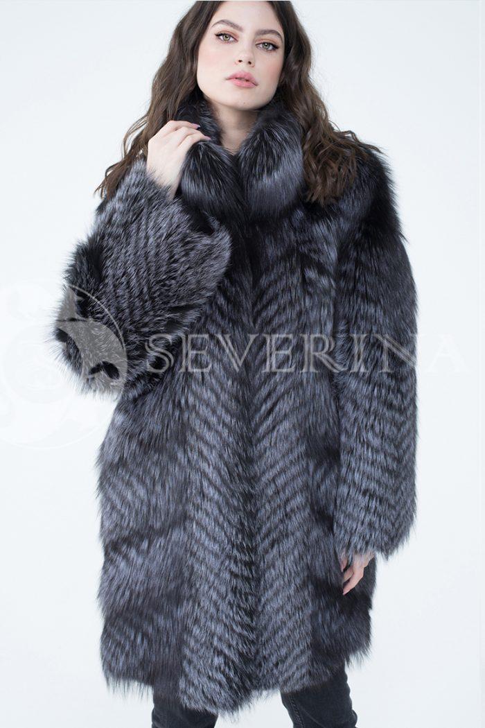 lev302706 1 700x1050 - шуба из меха серебристо-черной лисы