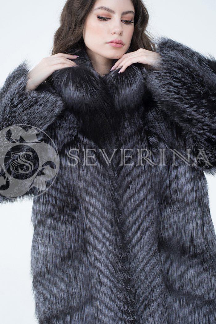 lev302712 1 700x1050 - шуба из меха серебристо-черной лисы
