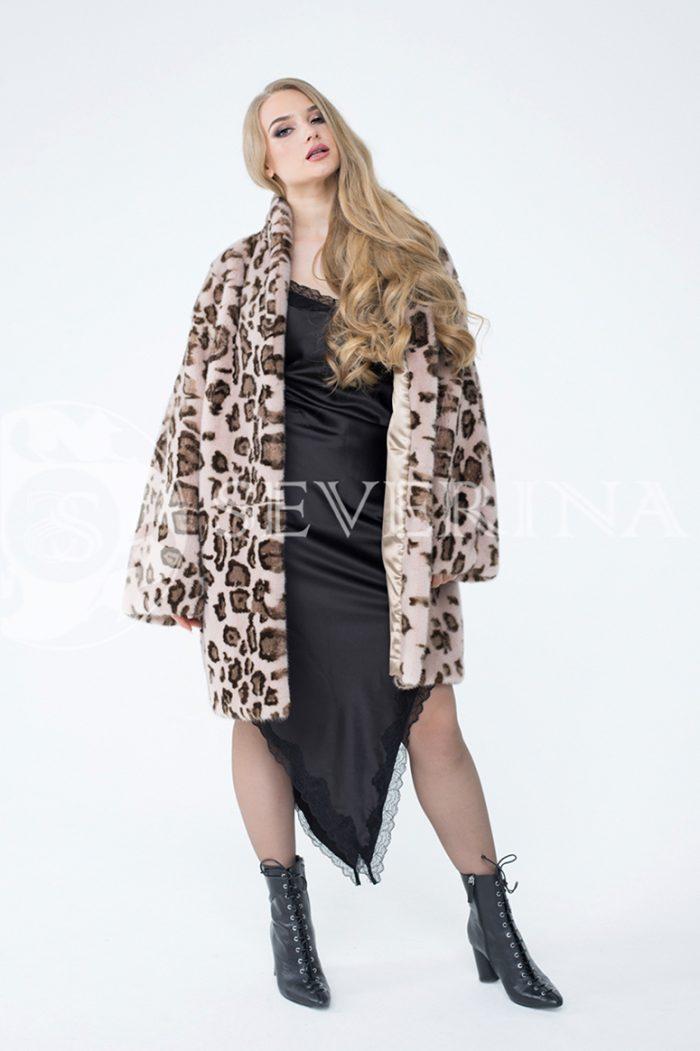 lev302729 700x1051 - шуба из меха норки с леопардовым принтом