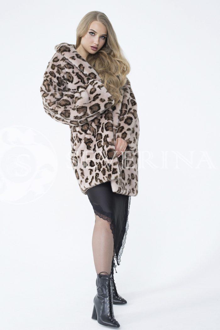 lev302733 1 700x1050 - шуба из меха норки с леопардовым принтом