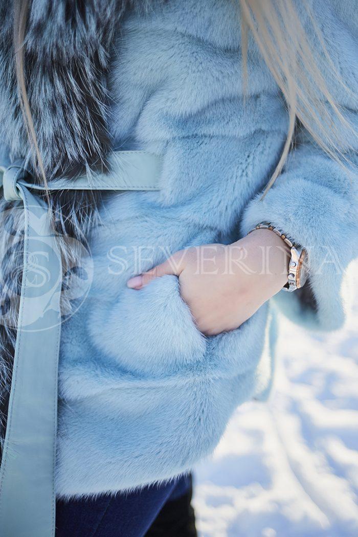 polzovatelskoe imja 5623 700x1050 - шуба из меха норки бирюзового цвета с отделкой из меха серебристо-черной лисы
