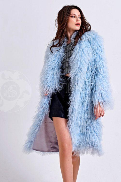 golubaja lama 1 500x750 - шуба из меха ламы нежно-голубого цвета