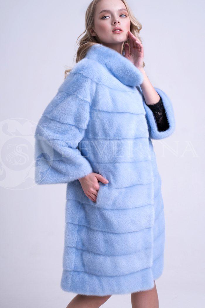 шуба из меха норки голубого цвета