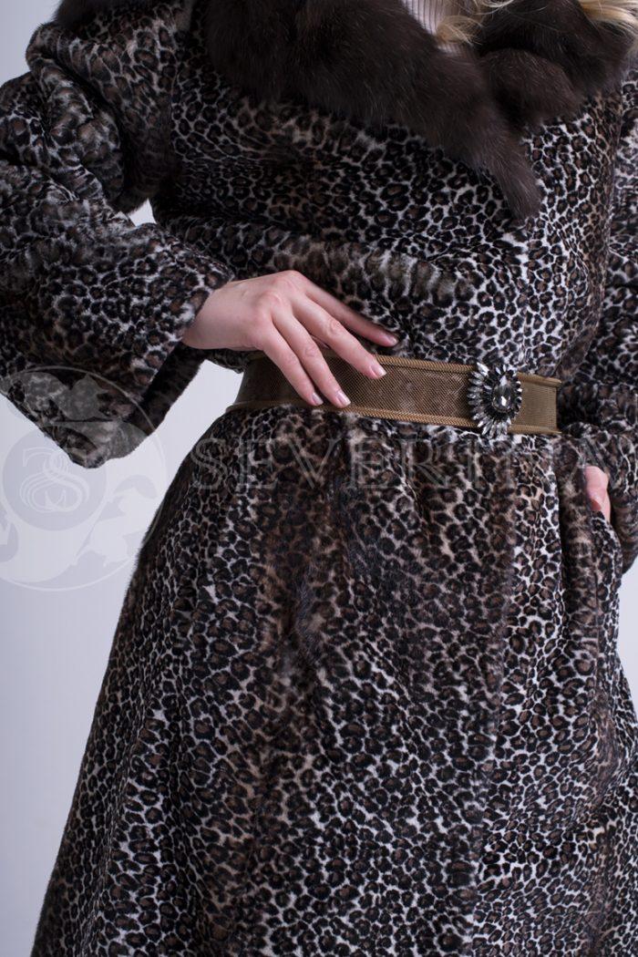 шуба из меха норки с анималистичным принтом с отделкой из меха соболя