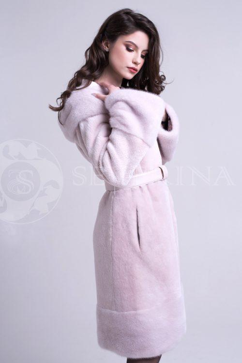 шуба из стриженного меха бобра с отделкой мехом норки в нежно-розовом цвете