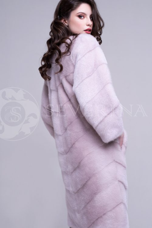 шуба из меха норки нежно-розового цвета