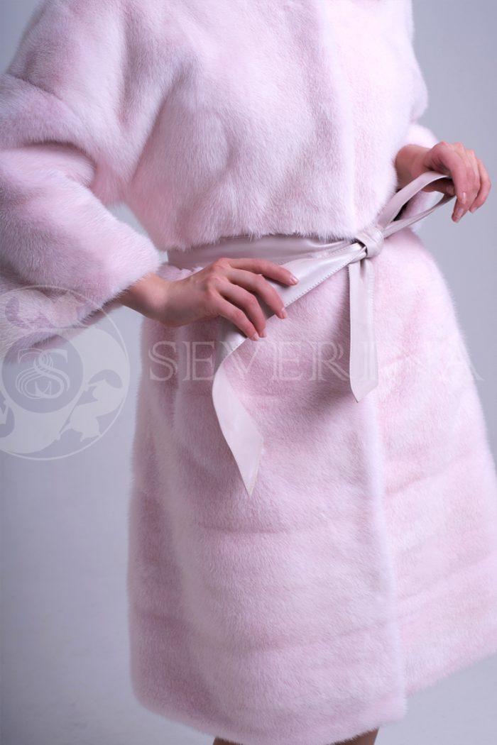 nezhno rozovaja norka stojka 1 700x1050 - шуба из меха норки нежно-розового цвета
