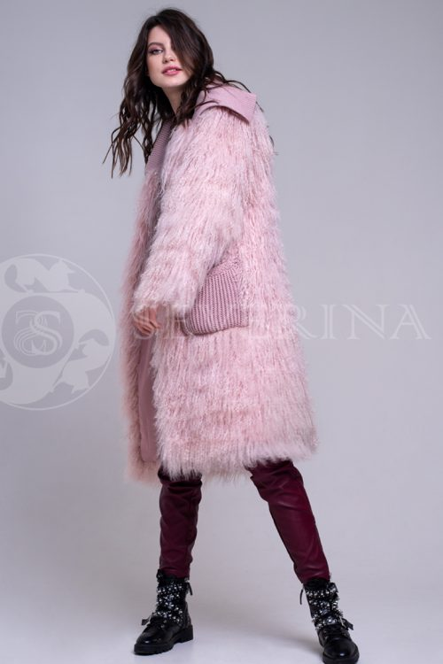 rozovaja lama 2 500x750 - шуба из меха ламы пудрового цвета