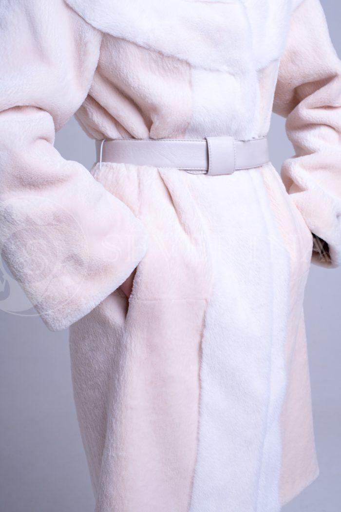 шуба из стриженного меха бобра с отделкой мехом норки оттенка розовая равалия
