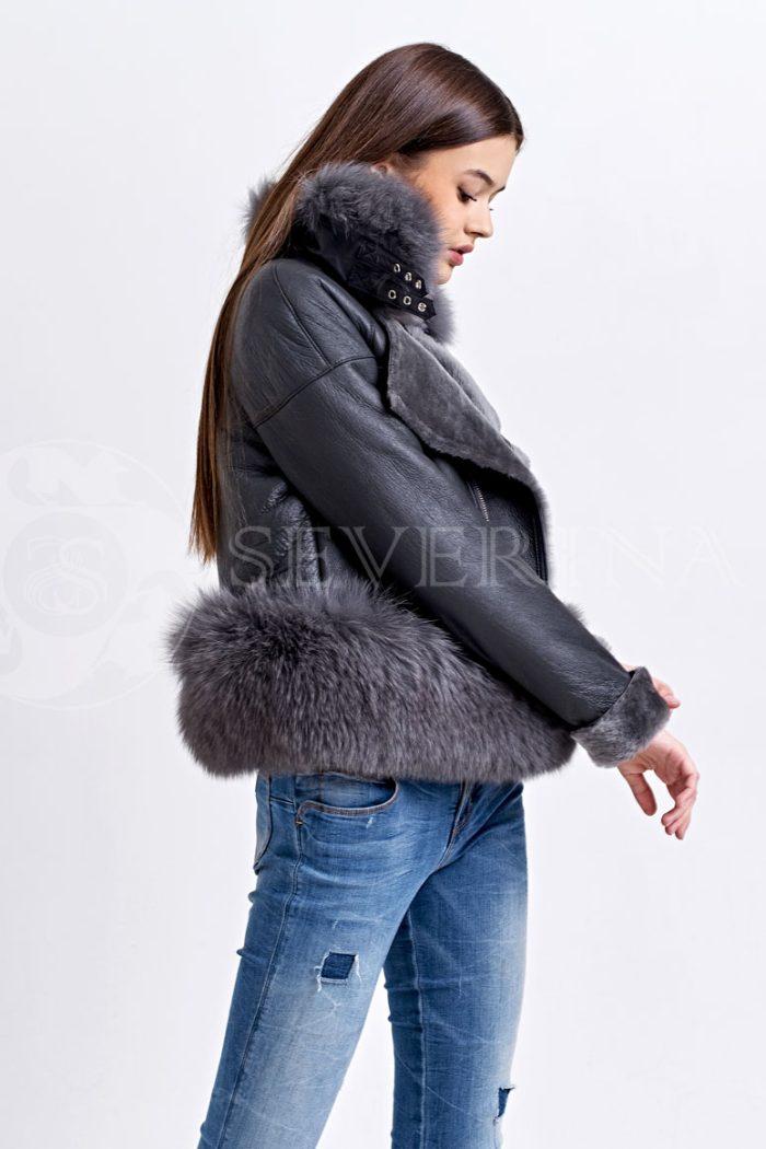 seraja1 700x1050 - куртка-дубленка с меховой отделкой