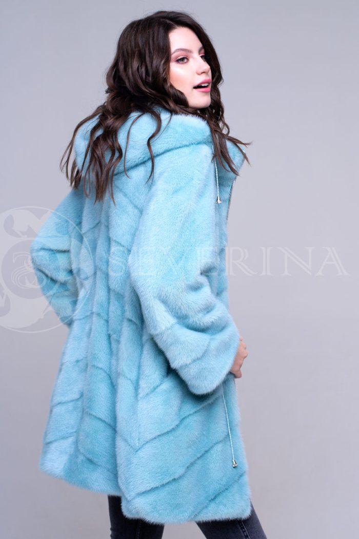 golubaja2 700x1050 - шуба из меха норки бирюзового цвета