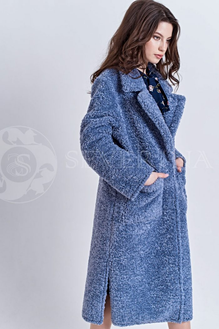 goluboe4 700x1050 - пальто из букле пастельно-синего цвета