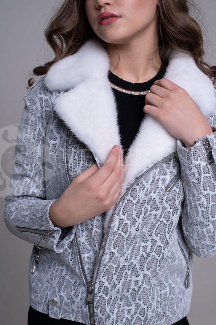 reptilija belaja3 700x1050 - куртка-дубленка с меховой отделкой