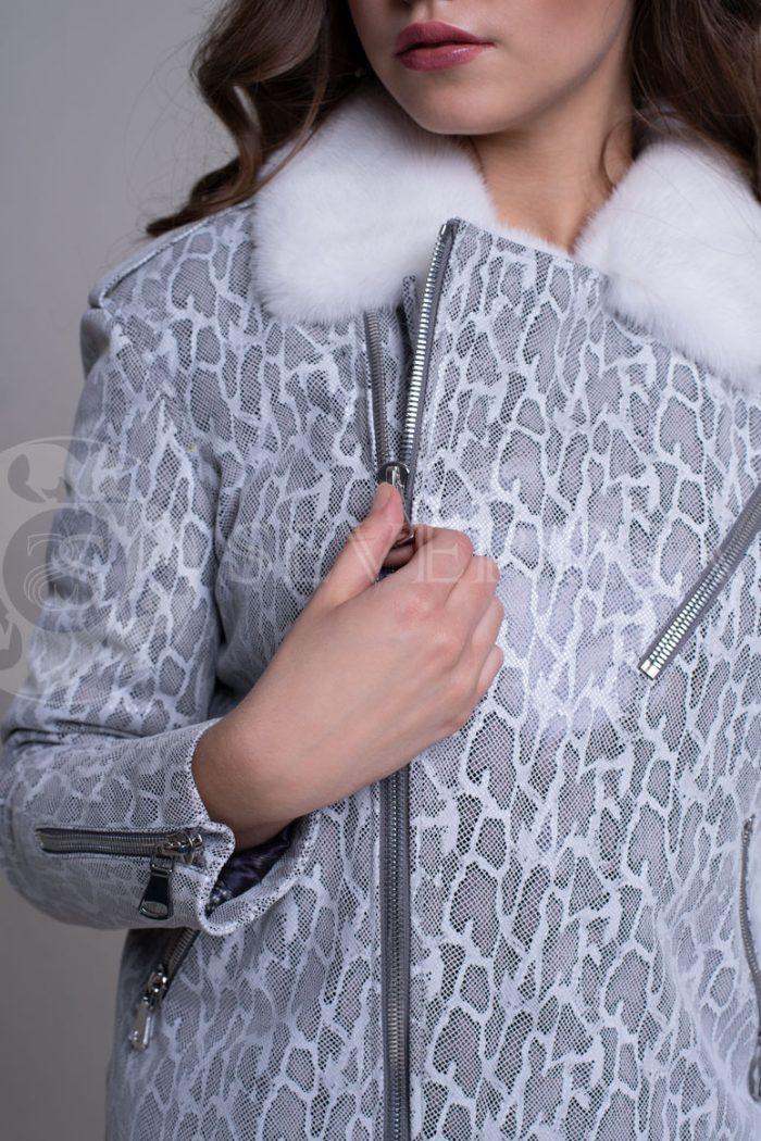 reptilija belaja4 700x1050 - куртка-дубленка с меховой отделкой