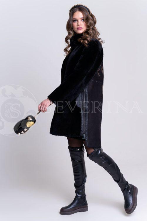 chernaja shuba na spine strazy3 500x750 - куртка-дубленка из овчины с принтом из страз