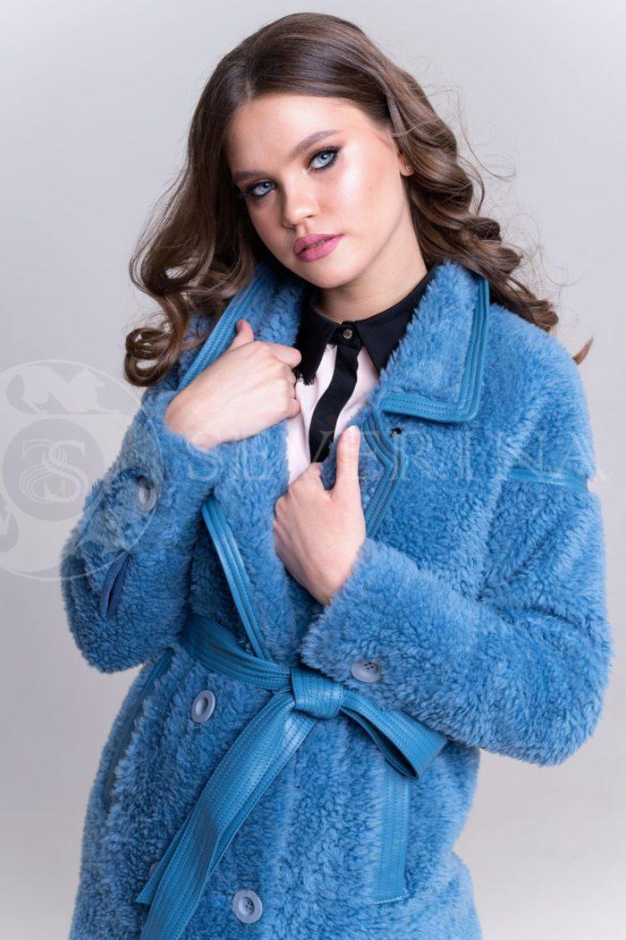 palto jekomeh goluboe1 700x1050 - пальто из овечьей шерсти с кожаной отделкой
