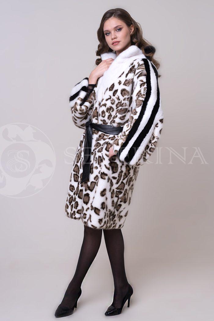 shuba leopard belaja lampasy 2 1 700x1050 - шуба из меха норки с леопардовым принтом
