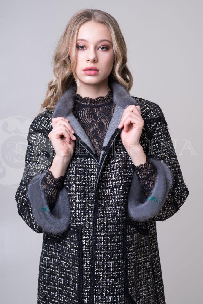 palto chanel 2 storonnee 1 storona 3 700x1050 - двустороннее пальто-дубленка с выработкой под твид Chanel и отделкой цветным мехом норки