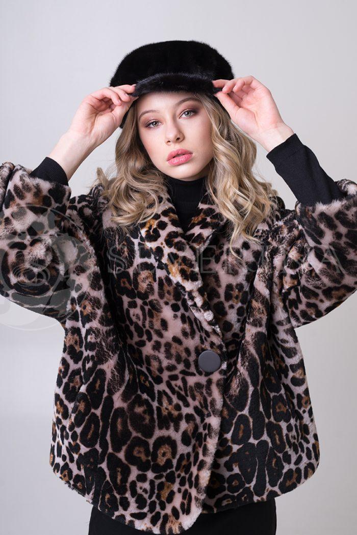 shuba leopard korotkaja ovchina 3 1 700x1050 - шуба из меха овчины с леопардовым принтом