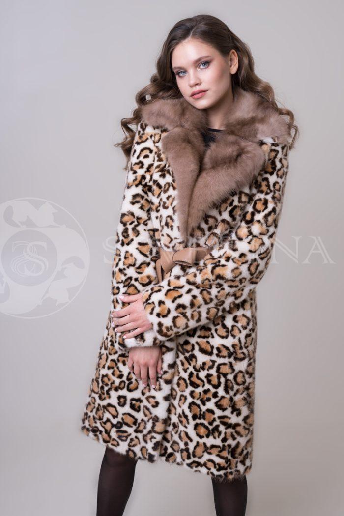 шуба из меха норки с леопардовым принтом и отделкой мехом куницы
