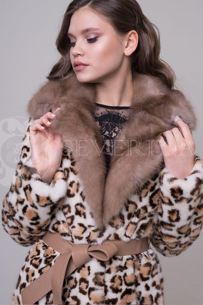 пальто из меха норки с леопардовым принтом и отделкой мехом куницы