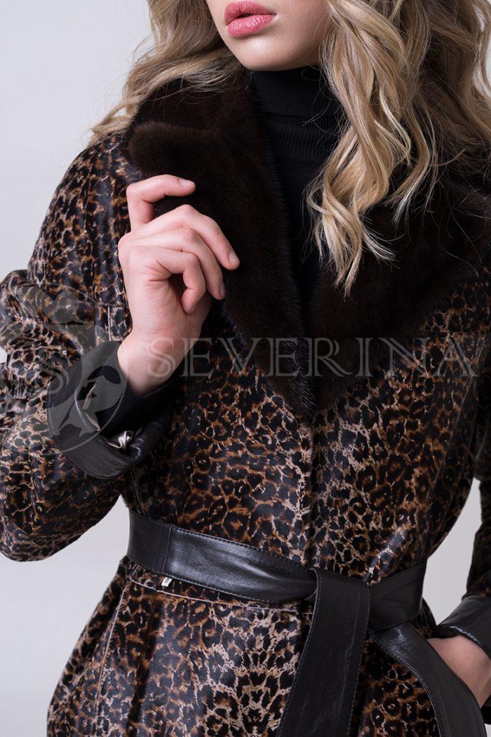 shuba leopard morskoj kotik 2 1 700x1050 - шуба из меха стриженной овчины с леопардовым принтом и отделкой мехом норки