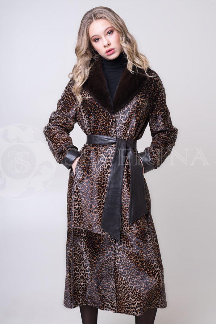 shuba leopard morskoj kotik 3 1 700x1050 - шуба из меха стриженной овчины с леопардовым принтом и отделкой мехом норки