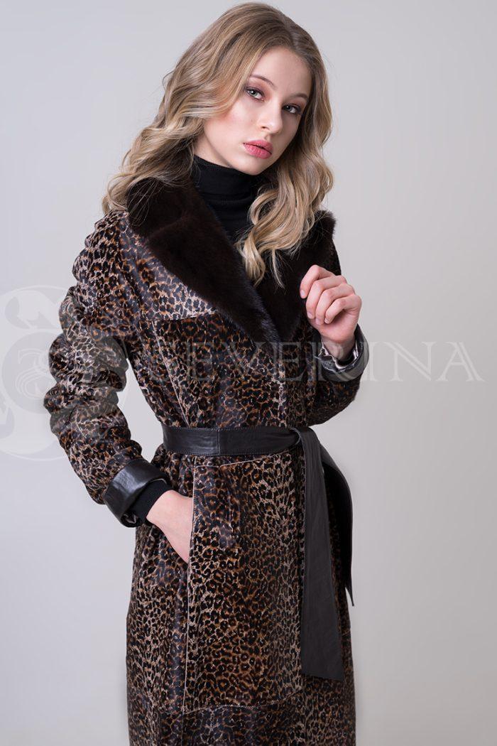 shuba leopard morskoj kotik 4 1 700x1050 - шуба из меха стриженной овчины с леопардовым принтом и отделкой мехом норки