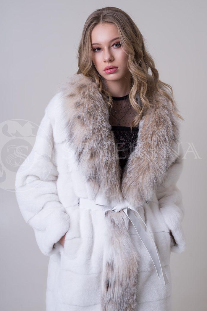 shuba norka belaja bort rys 3 1 700x1050 - шуба из меха норки с отделкой из меха рыси